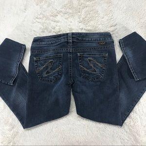 EUC Silver Jeans Tuesday sz 26/31